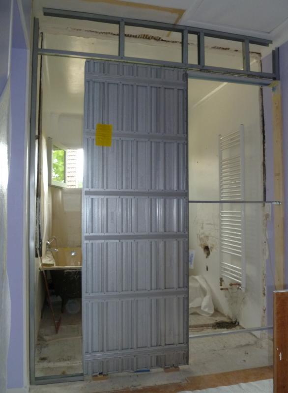 R novation d 39 une salle de bains montmorency taverny saint leu la foret - Poser une porte a galandage ...